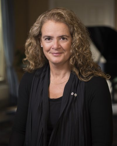 GG05-2017-0293-001 August 8, 2017  Rideau Hall, Ottawa, Ontario, Canada Julie Payette poses for her official photo in the Long Gallery at Rideau Hall, in Ottawa, Ontario, on August 8th, 2017, ahead of her installation ceremony as the 29th Governor General of Canada. Julie Payette pose pour sa photo officielle dans le Grand salon ˆ Rideau Hall ˆ Ottawa, en Ontario, le 8 aožt 2017, en amont de sa cŽrŽmonie dÕinstallation ˆ titre de 29e gouverneure gŽnŽrale du Canada. Credit: Sgt Johanie Maheu, Rideau Hall, OSGG